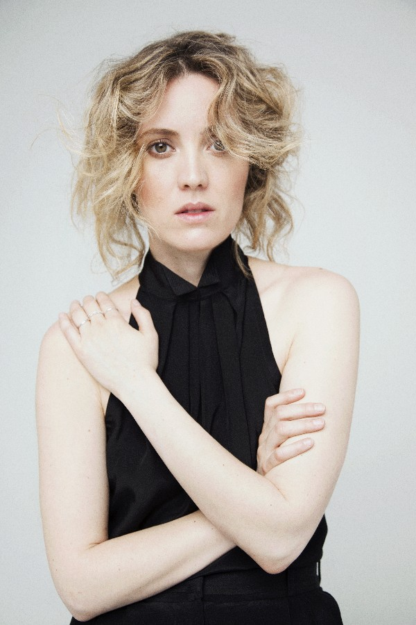 Evelyne Brochu.