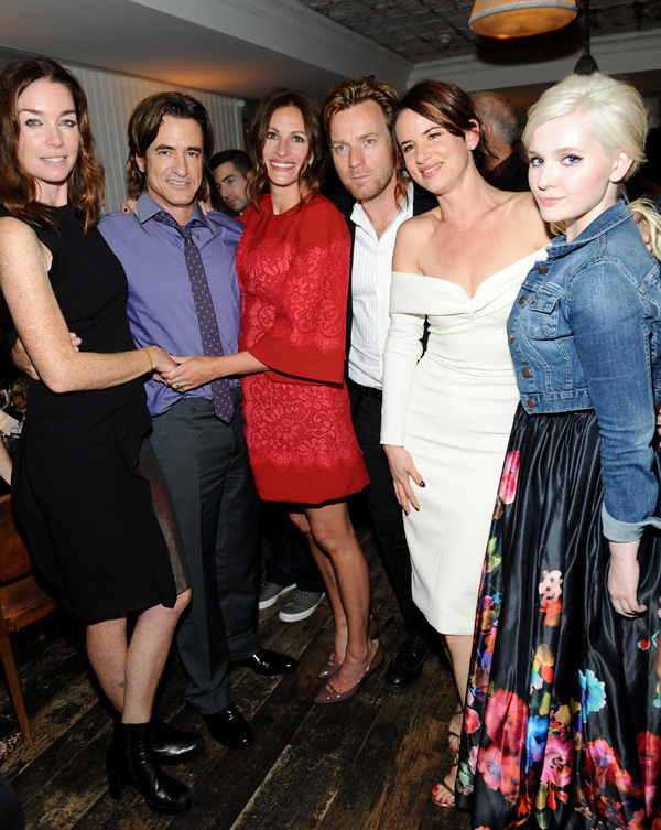 (From left to right) Julianne Nicholson, Dermot Mulroney, Julia Roberts, Ewan McGregor, Juliette Lewis and Abigail Breslin.