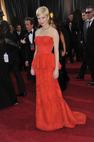 Michelle Williams is a lady in red. Featureflash / Shutterstock.com